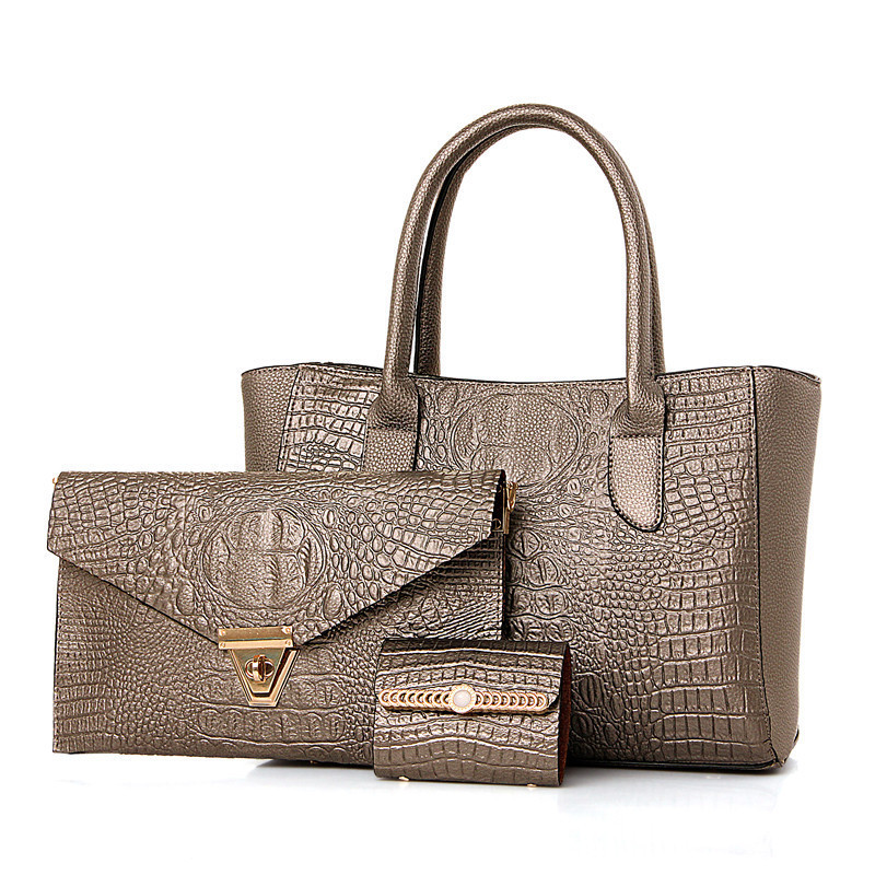 ff36e453c5b8 Набор женских сумок 3в1 из экокожи золотистого цвета купить по ...