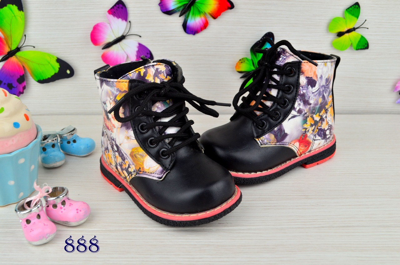 Ботинки детские демисезонные  на девочку из  эко-кожи черные цветы