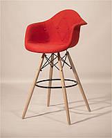 Кресло барное мягкое Leon Soft Bar красное, высота посадки 75 см на деревянных ножках, Eames DAW Barstool