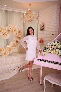 Белое женское платье с гипюром в стиле Фэмили лук для мамы и дочки