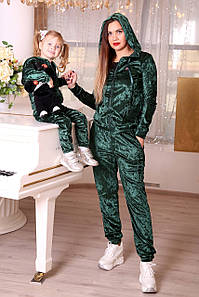 Велюровый женский костюм family look, парная одежда для мамы и дочки