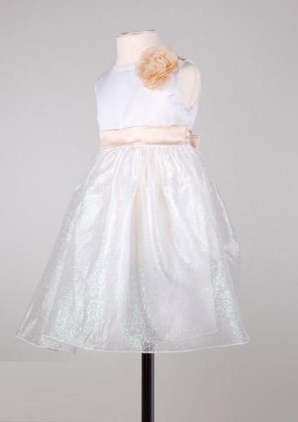 Нарядное белое детское  платье с цветком