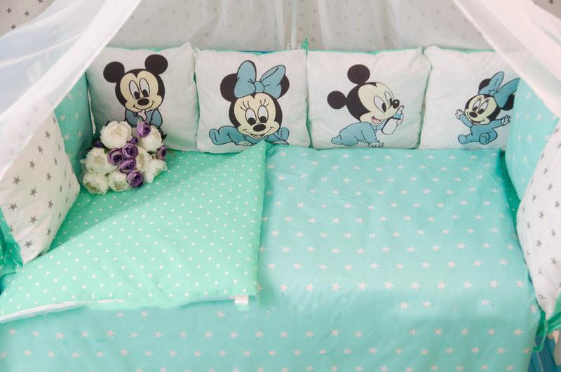 Комплект детского постельного белья в кроватку Микки  с бортиками