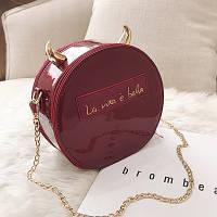 Маленькая женская круглая сумка с рожками бордовая(марсала), фото 1