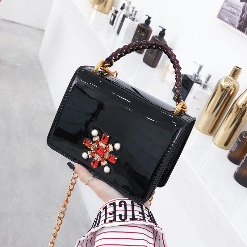 e70431afb89c Черная лаковая сумка со стразами - MIXgoodS - Магазин нужных и полезных  вещей в Кривом Роге