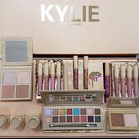Набор косметики Kylie Jenner Big Box бежевый, большой подарочный набор для макияжа
