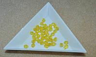 Мелкие бусины акрил конус 4 мм.