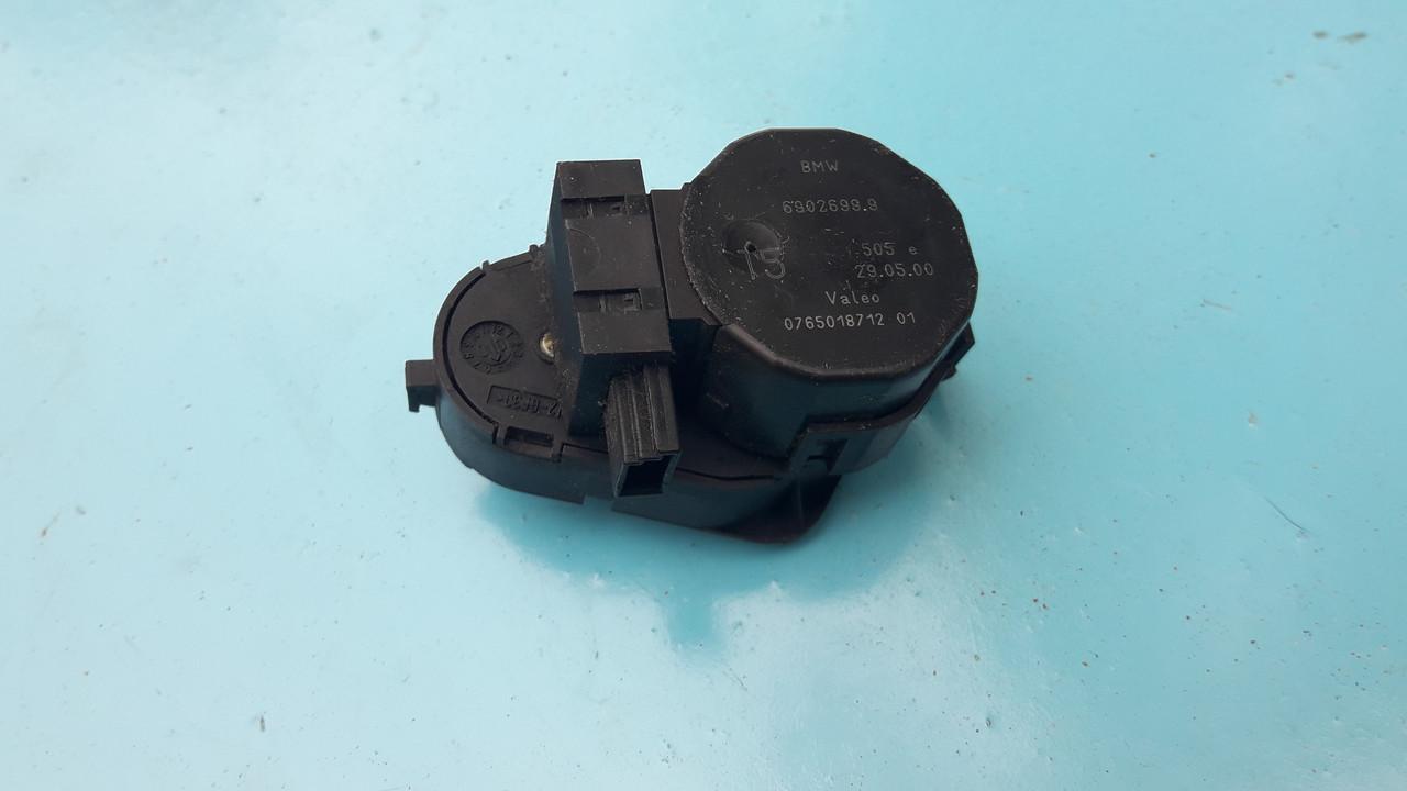 Шаговый двигатель сервопривод моторчик заслонки печки бмв е39 е53 bmw e39 e53 6902699 69026999 0765018712