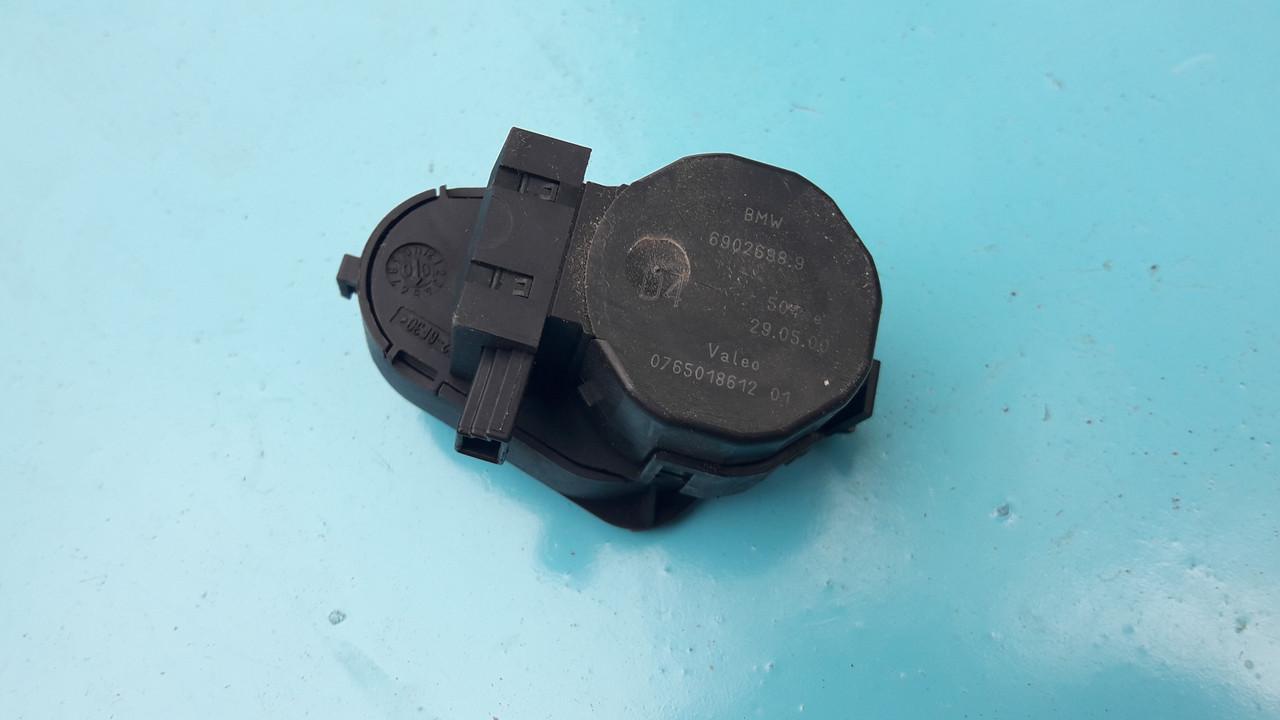 Шаговый двигатель сервопривод моторчик заслонки печки бмв е39 е53 bmw e39 e53 6902698 69026989 0765018612