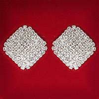 [28x18 мм] Серьги женские белые стразы светлый металл свадебные вечерние гвоздики (пусеты ) ромб закругленные концы крупные