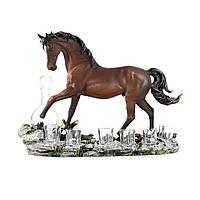 Штоф конь – изящная статуэтка коня на камнях с графином и стопками