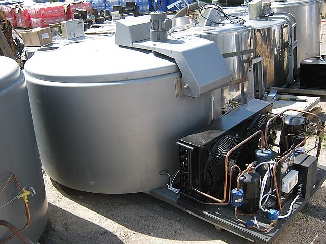 Охолоджувач молока відкритого типу DeLaval 600 л з компресорним агрегатом
