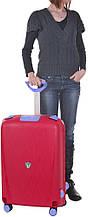 Пластиковый чемодан средний 70 л. 4-колесный Roncato Light 500712/19 малиновый