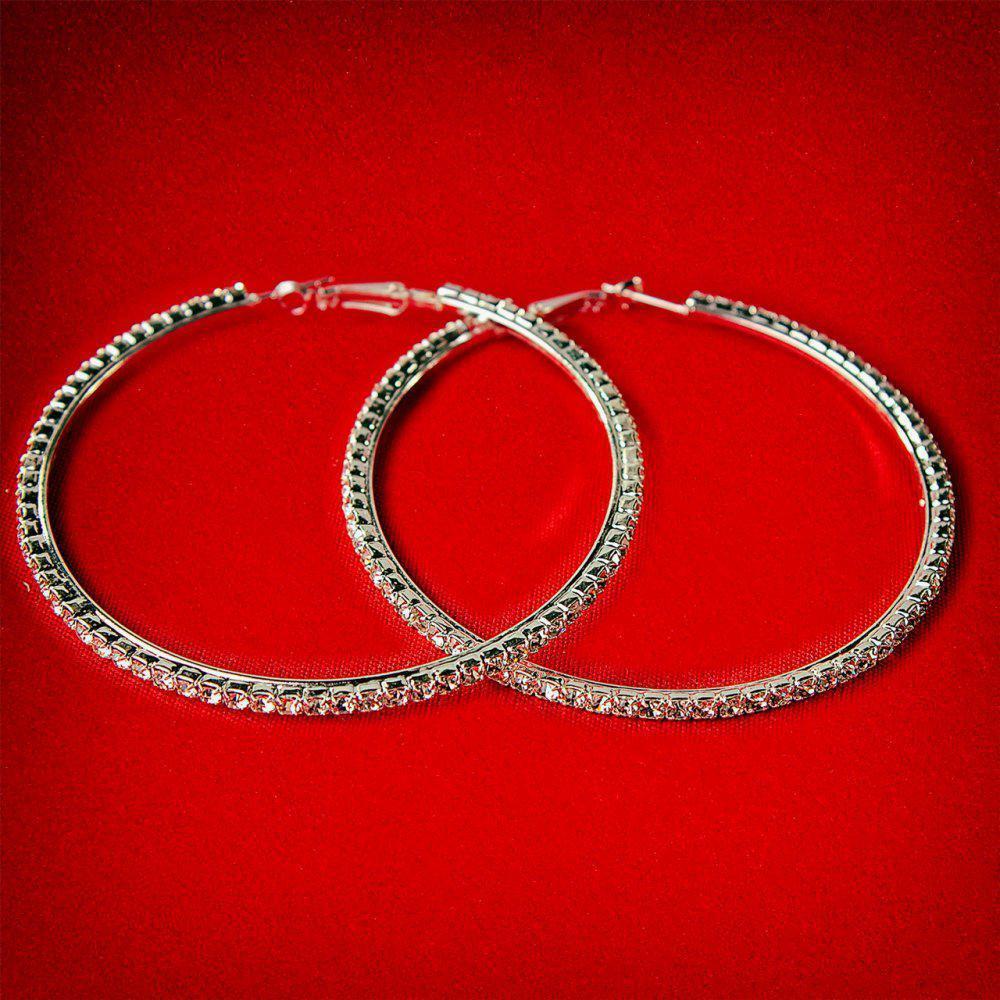 Серьги-кольца итальянский замок с белыми стразами большого размера светлый металл d-75мм
