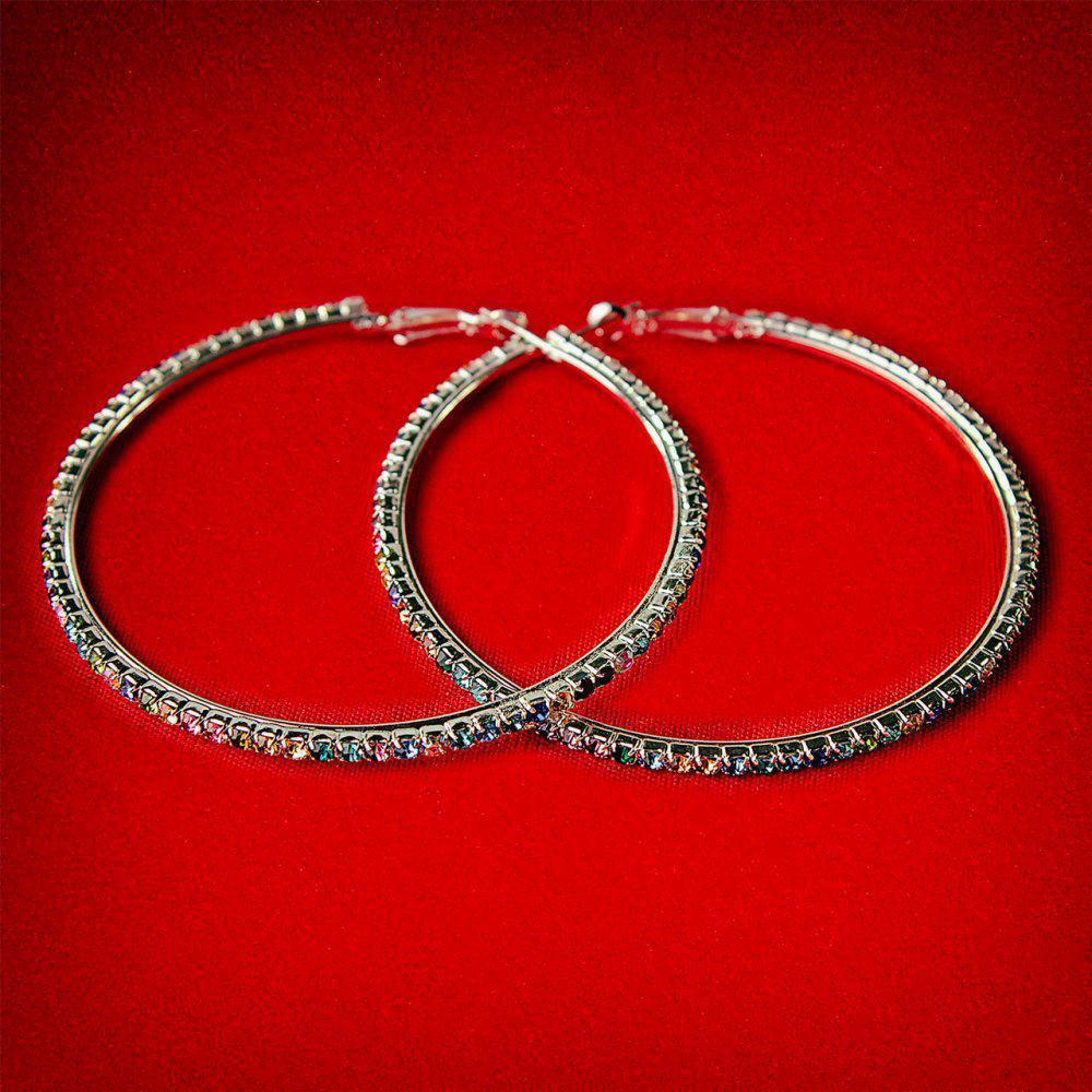 Серьги-кольца итальянский замок с разноцветными стразами большого размера светлый металл d-75мм