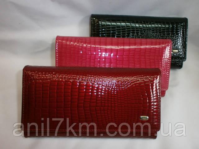 Жіночий гаманець фірми Dr.BOND