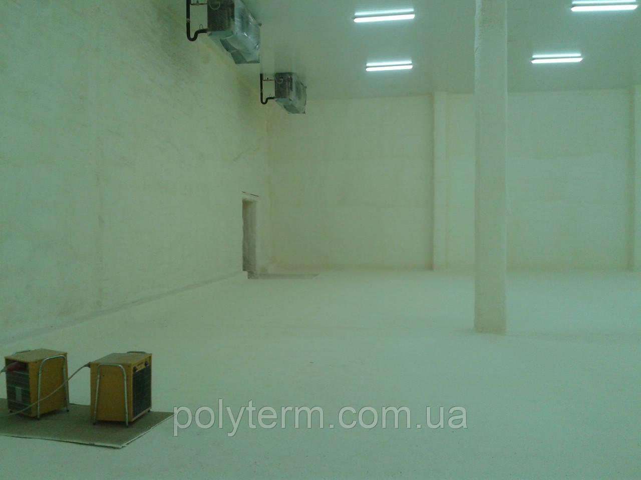 Теплоизоляция пенополиуретаном (ППУ) холодильных камер, складов, ангаров.