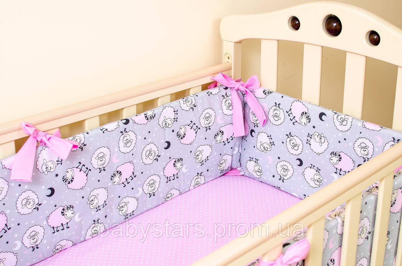 """Бортики подушки на детскую кроватку """"Розовые барашки"""" 360х27см + простынь на резинке 60х120см"""