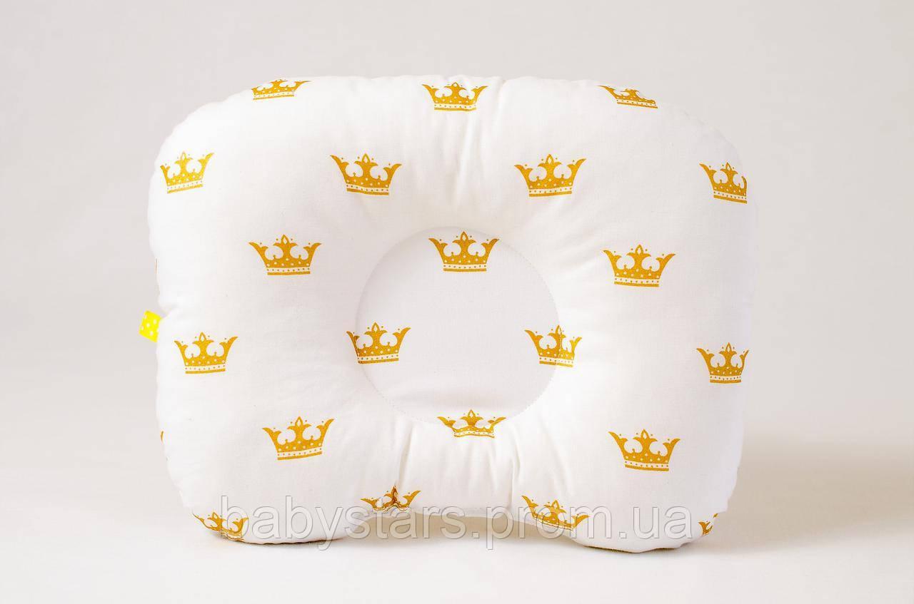"""Ортопедическая подушка для новорожденных 22х26 см, """"Золотые короны"""""""