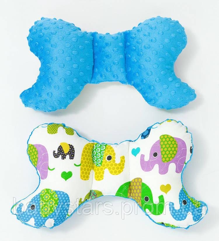 """Подушка косточка для новорожденных 32х24 см, """"Салатовые слоники"""" цвет голубой"""