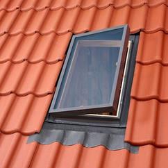 Вікно-люк VELUX VLT для неутепленого горища покрівельний вилазь люк Велюкс
