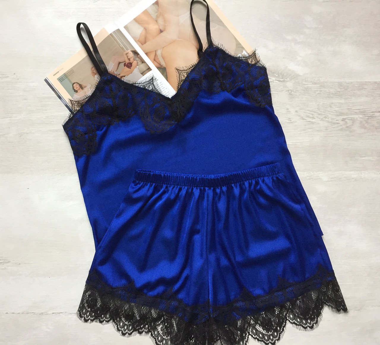 Пижама женская шелковая майка и шорты электрик