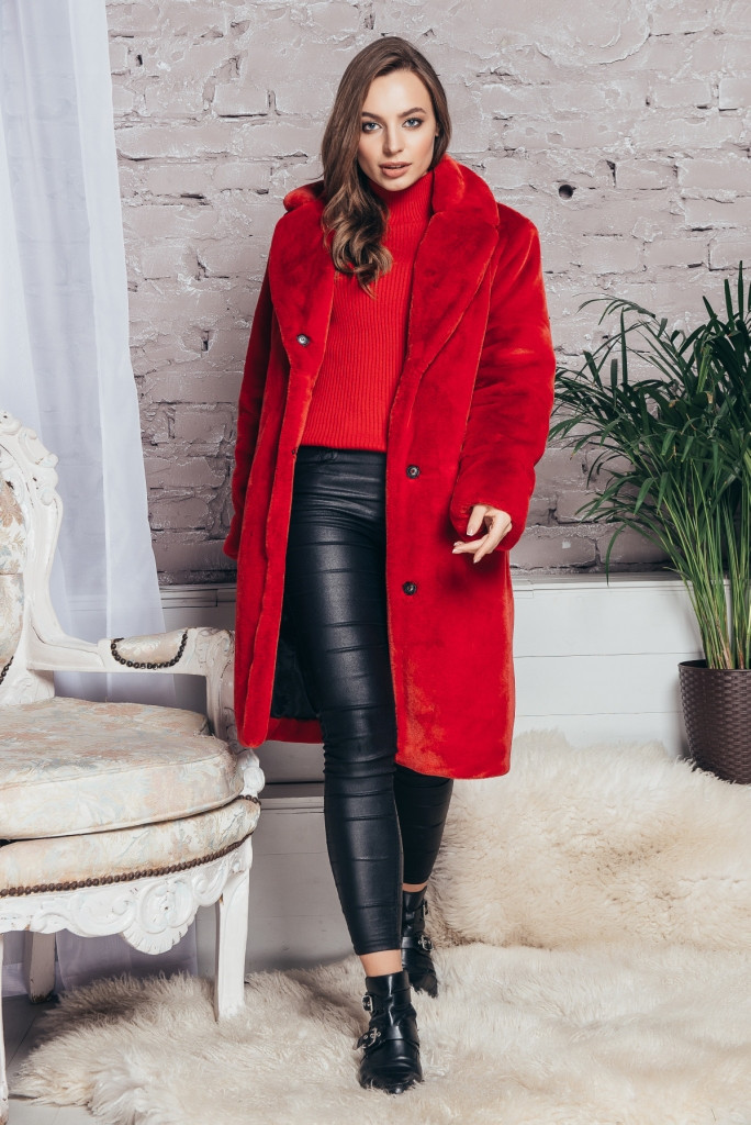 Красная женская шуба с английским воротником