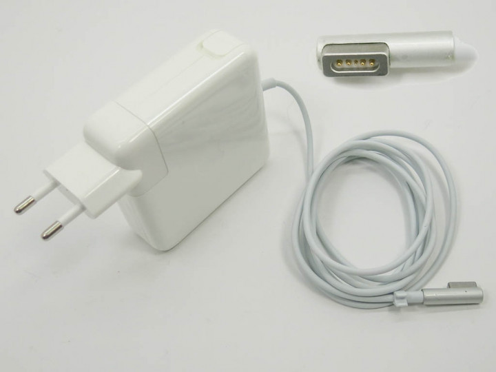 Блок питания APPLE MagSave 18.5V 4.6A 85W OEM. В комплекте вилка питания.