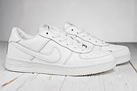 Мужские весенние кроссовки Nike белые топ реплика
