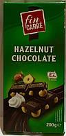 Шоколад десертный Fin Carre (с цельным лесным орехом) Германия 200г