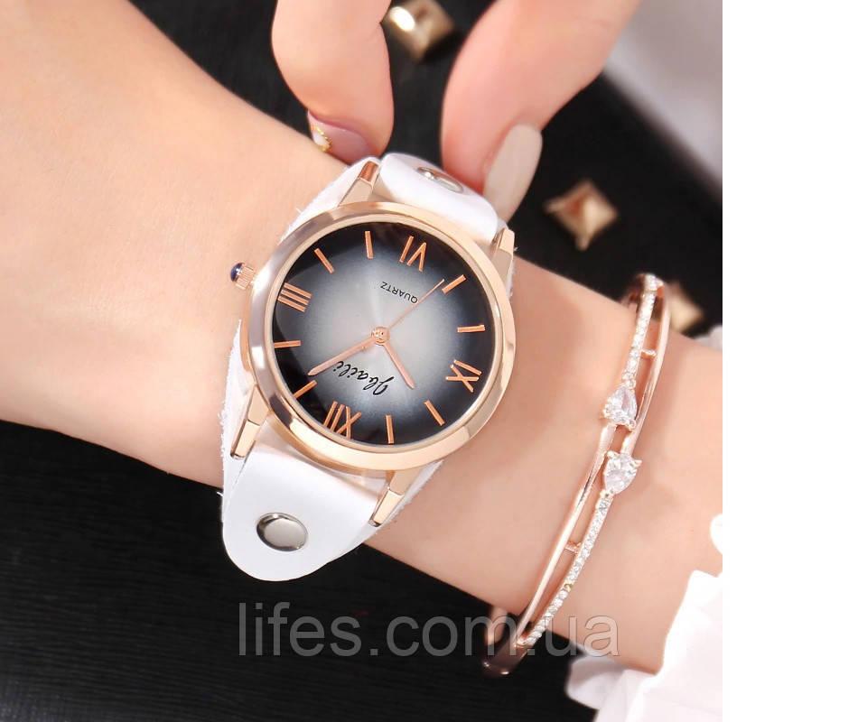 Женские часы  Белый кожаный ремешок