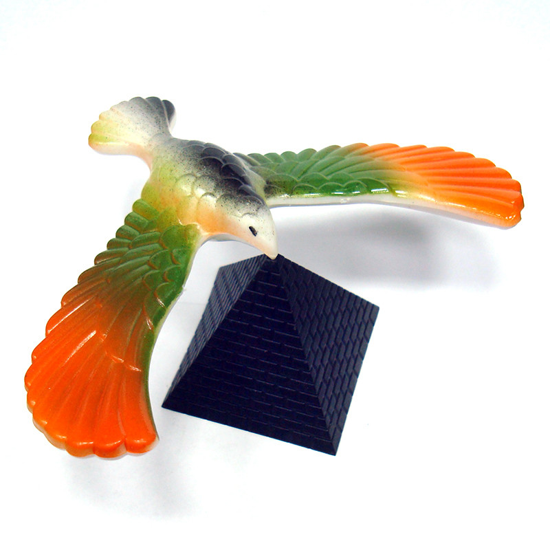 Статуэтка декоративная Орел на пирамиде