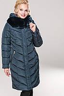 Короткое женское зимнее пальто  с карманами