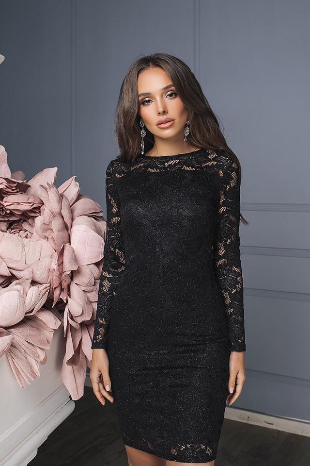 Модное гипюровое платье