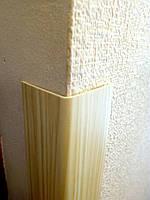 Защитный пластиковый уголок ПВХ 30х30 декор (сосна)