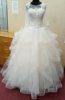 Необычное пышное белое свадебное платье на корсе с рукавами 3/4, кристаллами и жемчугом, размер 48
