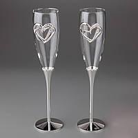 Свадебные бокалы для молодых с сердцами на стекле под серебро