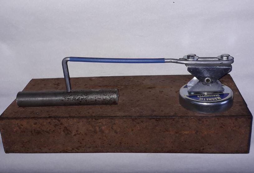 Магнитный держатель для сварочных заготовок Zet