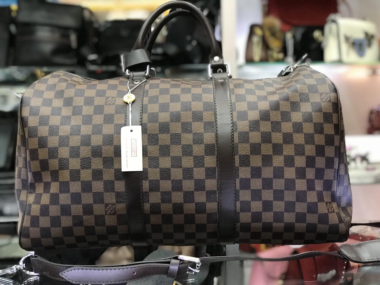 4395c03bd244 Спортивно-дорожная сумка Louis Vuitton (реплика) - Добрый Шоп в Харькове