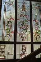 Витраж в окна лестничного проема
