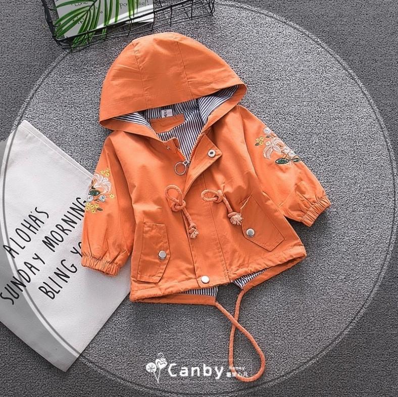 Парка ветровка детская н девочку с красивой вышивкой на рукавах 1-4 года оранжевая