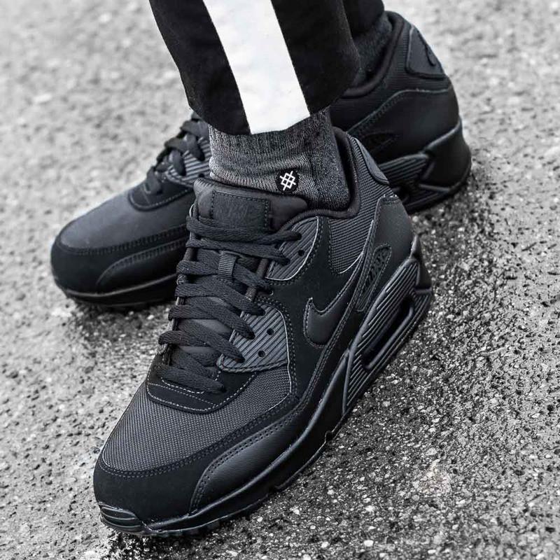 a096ca06 Оригинальные мужские кроссовки Nike Air Max 90 Essential