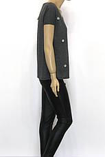Коротка сіра жіноча футболка із стразами, фото 2