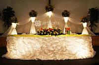Аренда свадебного декора, текстиля, стойки, арки, колонны, чехлы на стулья, белые канделябры напрокат