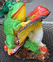 Фигурка для сада Лягушка на мухоморе 35 см.