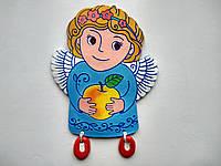 "Панно ""Ангелик з яблучком"" (блакитний, світле волосся)"