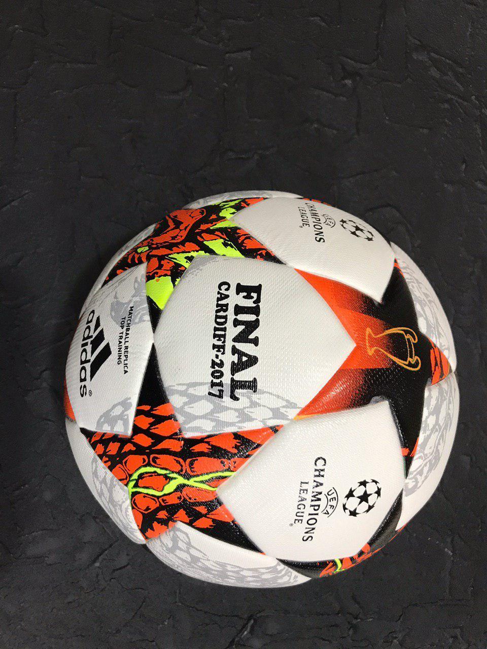 Футбольный мяч лига чемпионов финал Киев 2018