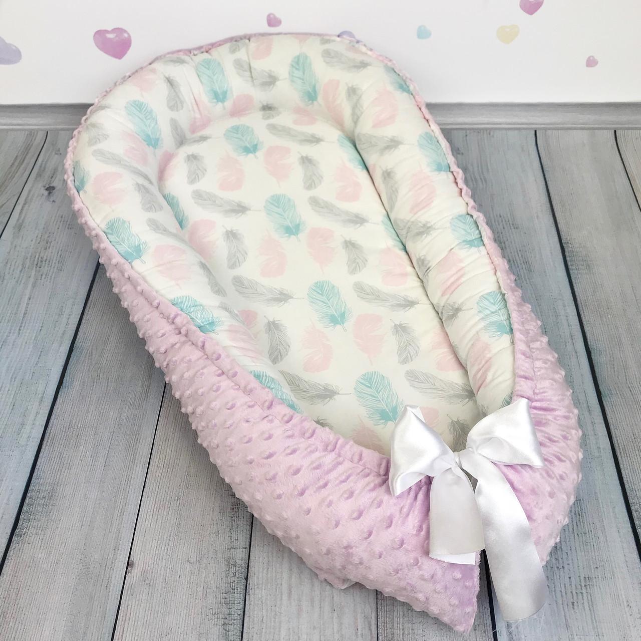 """Кокон-гнёздышко для новорожденного """"Нежные пёрышки"""" с поролоновым матрасом"""