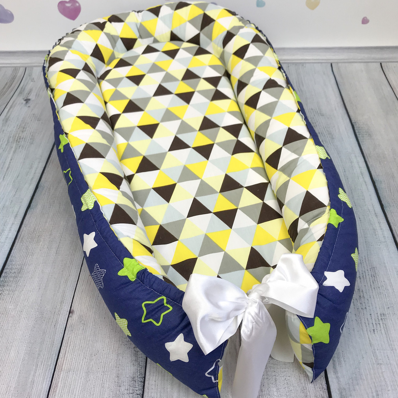 """Кокон-гніздечко для новонародженого """"Трикутники і Зірки"""" з поролоновим матрацом"""
