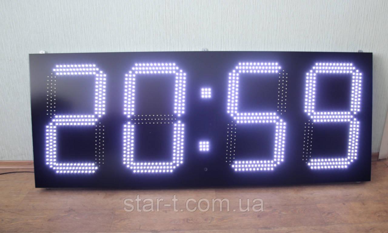 Большие часы белого цвета, размером 1800х700мм.